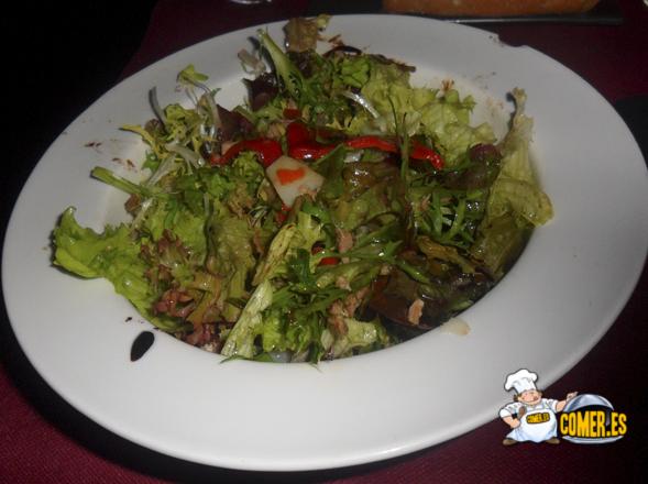 fresca ensalada de deluxe lounge en bilbao