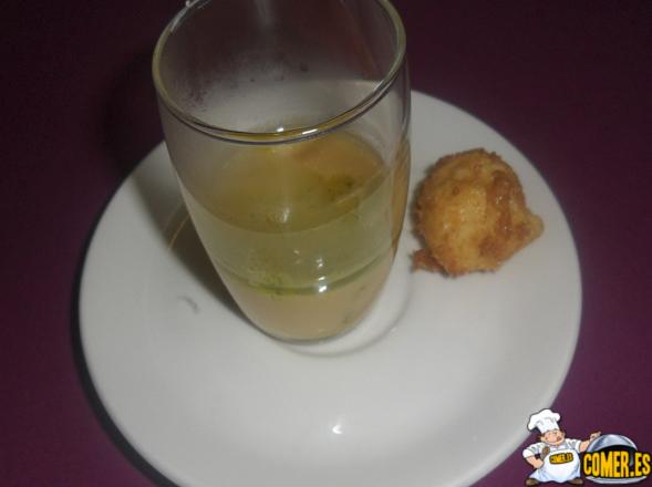 sopa de alubia y croqueta de patata