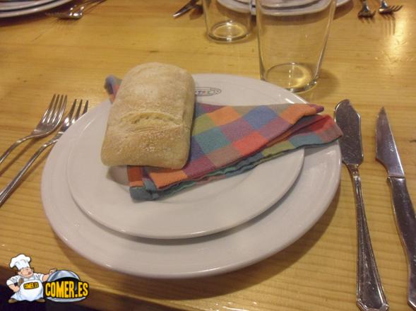 plato y servilleta del txoko en bilbao