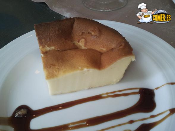 tarta casera del restaurante especializado en arroces junto a la ría de Bilbao